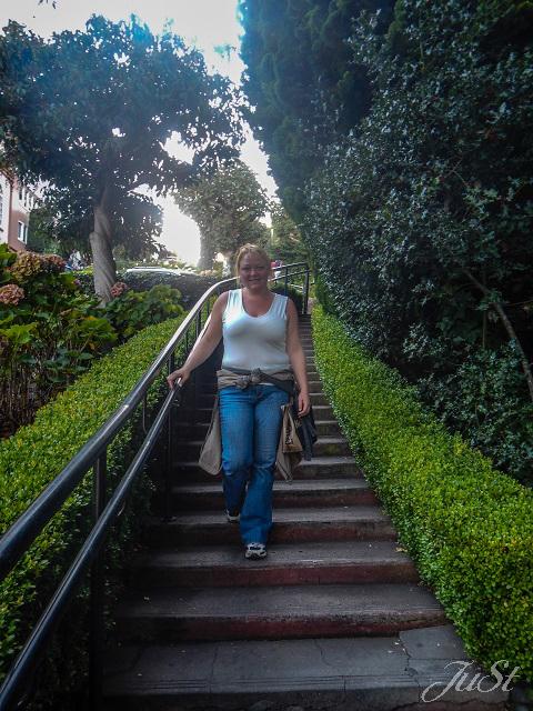 Bild Jule läuft Treppen Lombard Street