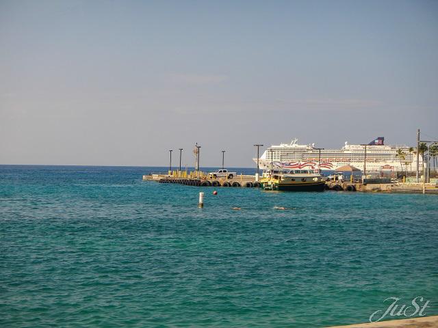 Bild Blick auf den Hafen von Kona