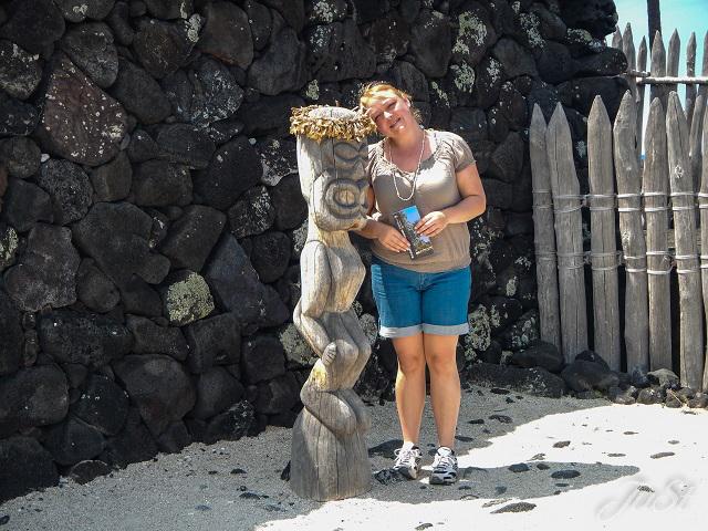 Bild Kajak Pu'uhonua o Honaunau Jule und Tikifigur