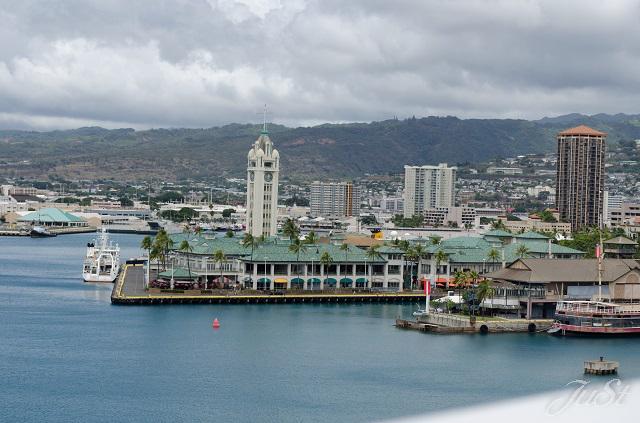Bild Aloha Tower vom Schiff aus