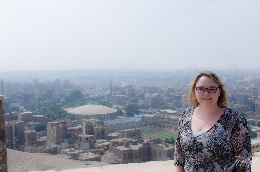 Jule mit Blick auf Kairo