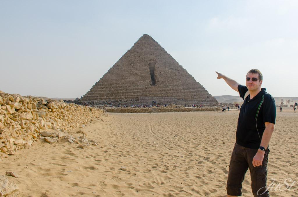 Alex und die kleine Pyramide