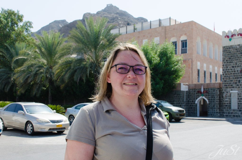 Jule am Palastparkplatz Muscat