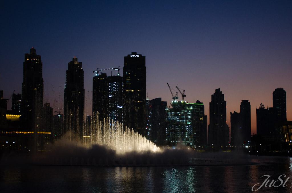 Wasserspiele vor der Dubai Mall