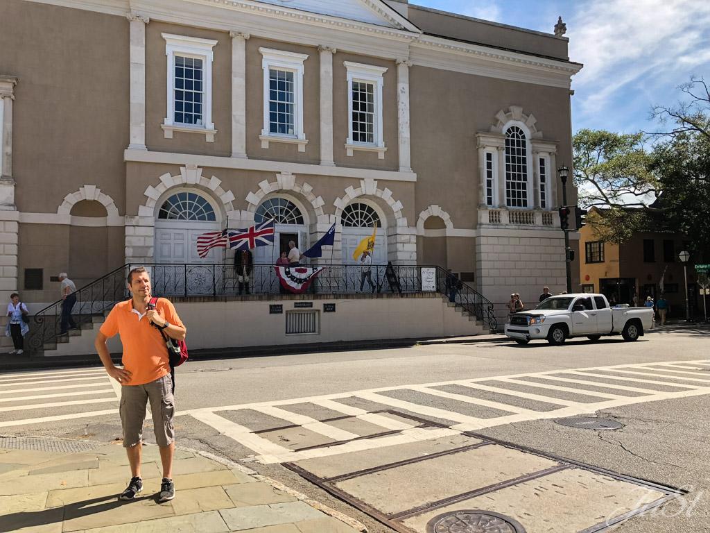Alex vor dem Old Exchange und Provost Dungeon