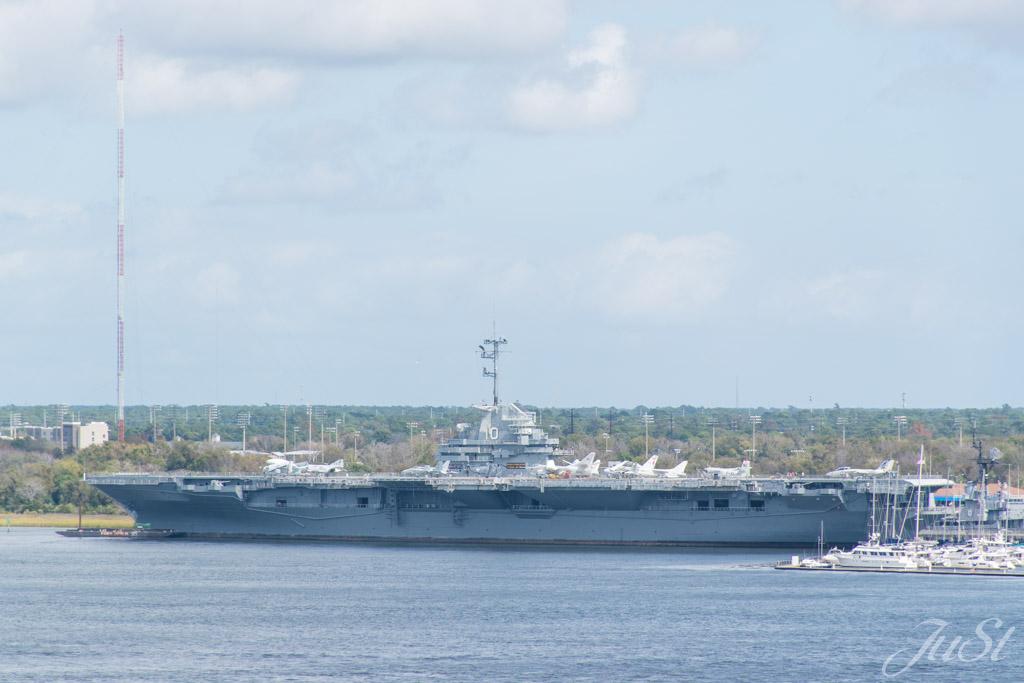 USS Yorktown in Hafen von Charleston