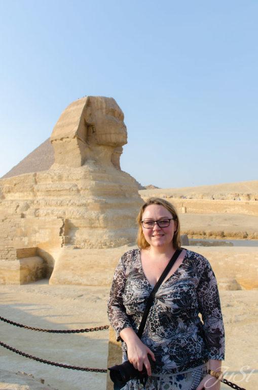 Jule vor der Große Sphinx von Gizeh