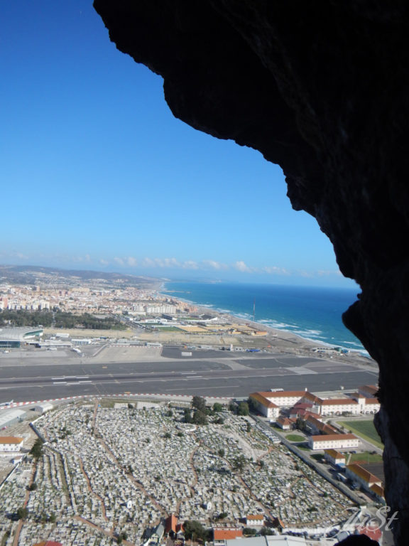Bild Blick auf den Flughafen von Gibraltar