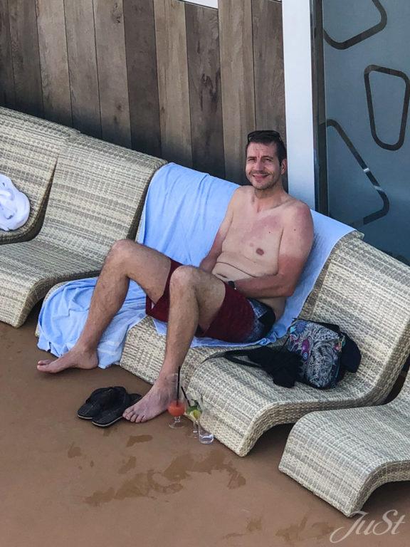 Alex am Pool im Hafen von Miami